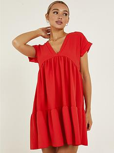 quiz-v-neck-short-sleeve-tiered-smock-dress-red