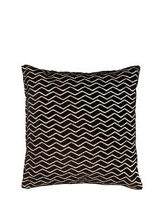 luxe-collection-leigh-black-cushion