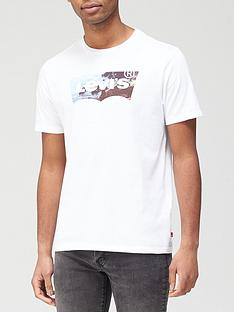 levis-housemark-graphic-t-shirt-white