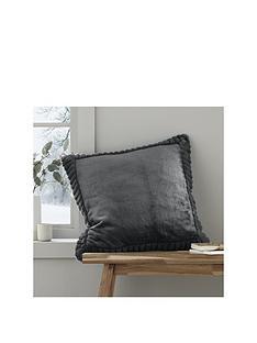 catherine-lansfield-velvet-amp-faux-fur-cushion