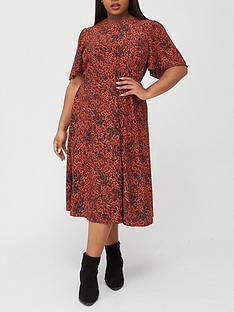 v-by-very-curve-printed-angel-sleeve-midi-dress-print
