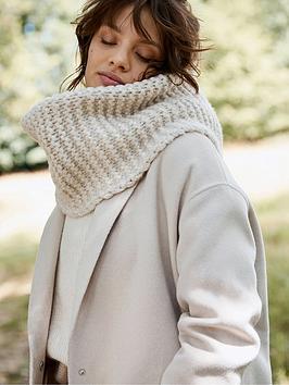 mint-velvet-chunky-knitted-snood