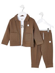 river-island-mini-mini-boys-3-piece-jogpants-tshirt-and-jacket-set-khaki