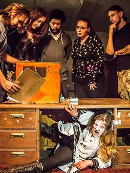virgin-experience-days-trapped-in-a-room-with-a-zombie-escape-experience-in-london