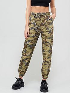 missguided-missguided-d-ring-belt-camo-cargo-trouser-khaki
