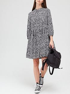 v-by-very-tiered-shift-dress-blacknbsp