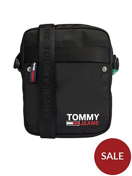 tommy-jeans-tjm-campus-reporter-cross-body-bag