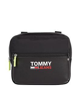 tommy-jeans-tjm-campus-twist-chest-bag