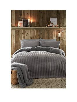 fusion-ribbed-teddy-fleece-duvet-cover-set-silver