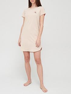 calvin-klein-logo-jersey-nightdress-light-pink