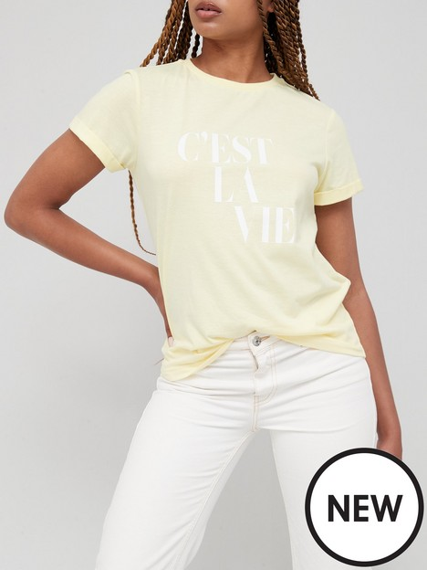 v-by-very-front-print-slogan-roll-sleeve-cest-la-vie-tee-yellow