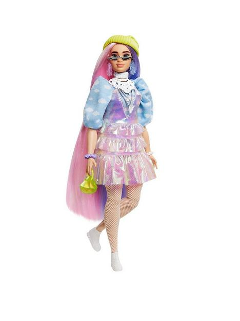 barbie-extra-doll-shimmery-look