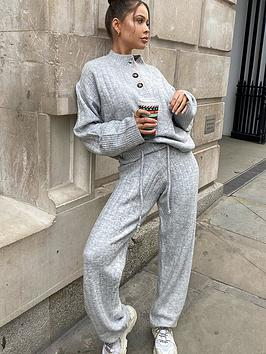 in-the-style-in-the-style-x-naomi-genesnbsprib-straight-leg-trouser-grey