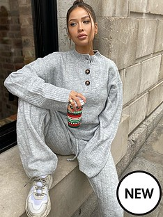 in-the-style-in-the-style-x-naomi-genes-button-detail-rib-jumper-grey