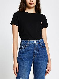 river-island-button-chest-pocket-t-shirt-black