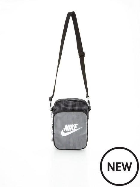 nike-heritage-20-small-item-bag-black