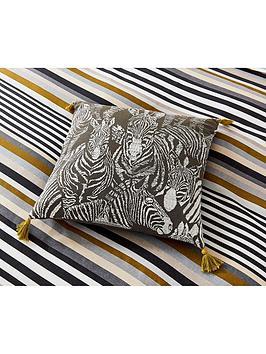 harlequin-rosita-cushion