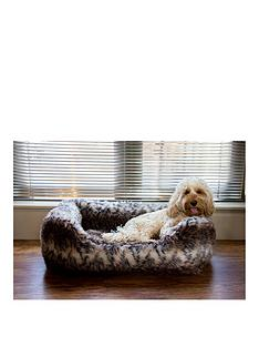 rosewood-brown-cosy-fur-print-bed-sml