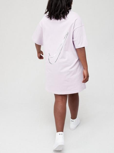 nike-nsw-swoosh-short-sleeved-dress-curve-purple