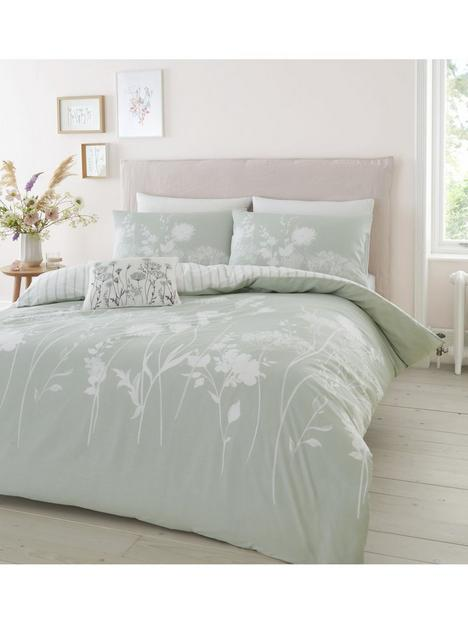 catherine-lansfield-meadowsweet-floral-duvet-covernbspset-green
