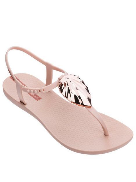ipanema-leaf-shine-flip-flop-blush