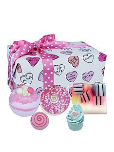 bomb-cosmetics-sweet-illusion-bath-bomb-gift-set