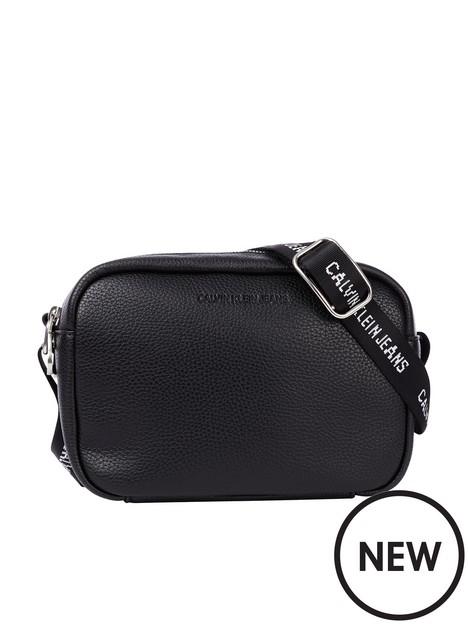 calvin-klein-jeans-calvin-klein-double-zip-camera-bag--black