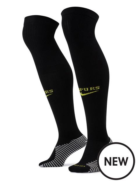 nike-tottenham-2122-away-socks