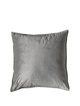 gallery-meto-velvet-oxford-cushion-silver