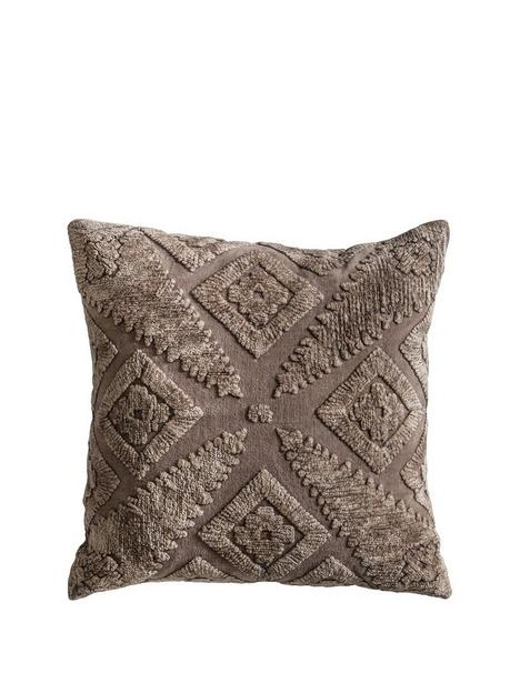 gallery-velvet-washed-cushion-taupe