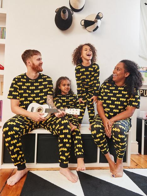 batman-mens-halloween-batman-mini-me-pyjamas