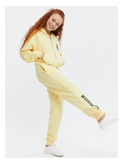 new-look-girlsnbsptrue-set-wkend-zip-hood-bralette-jogger-yellow
