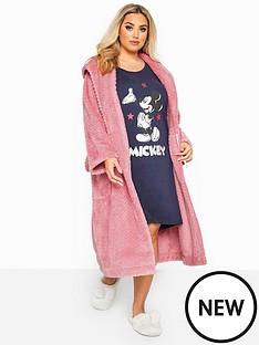 yours-honecomb-robe