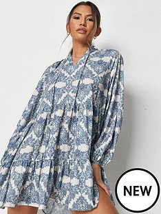 missguided-missguided-v-neck-tiered-smock-dress-long-sleeve-blue