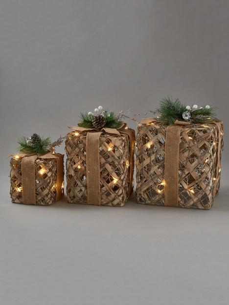set-of-3-lit-rattan-gift-boxes-christmas-decorations