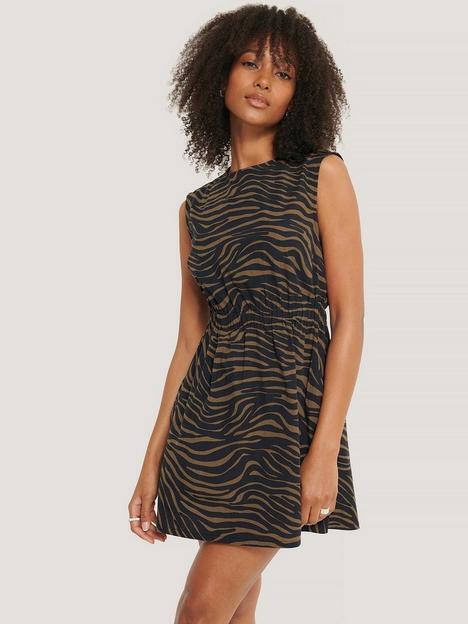 na-kd-sleeveless-mini-dress-zebra-print