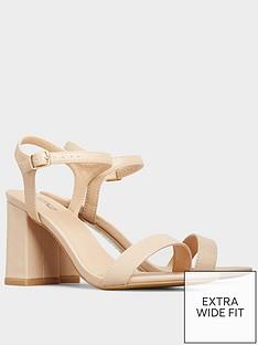 yours-yours-block-heel-sandal