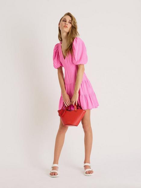 french-connection-birch-gingham-seersucker-tiered-dress-pink