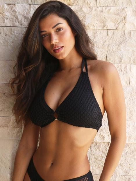pour-moi-sahara-removeable-padded-non-wired-halter-top-black