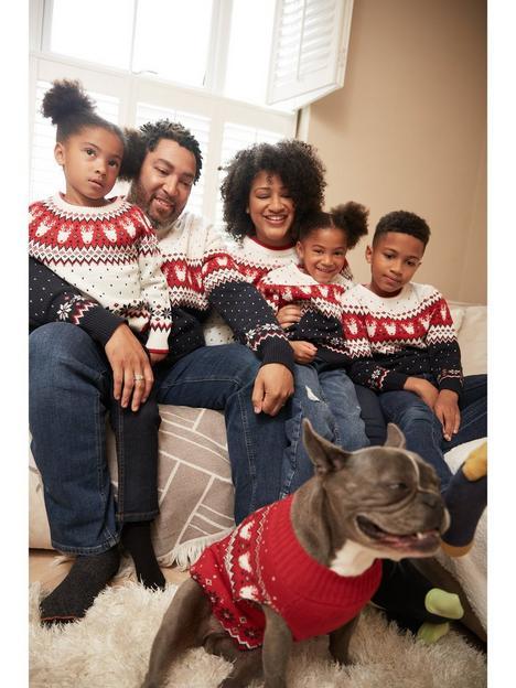 very-man-christmas-reindeer-family-fairilse-jumper