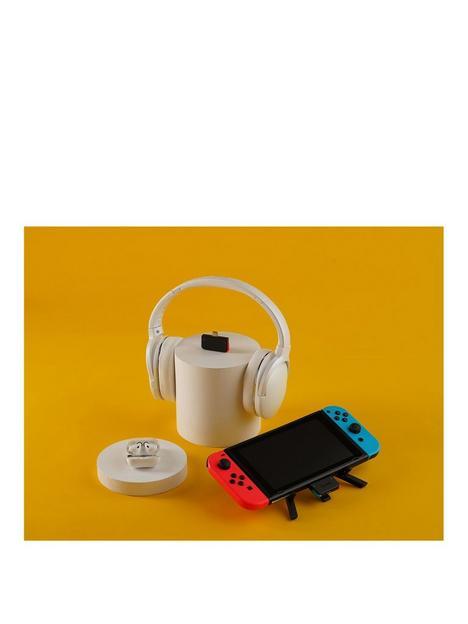 genki-audio-dock-adapter-and-mic-neon