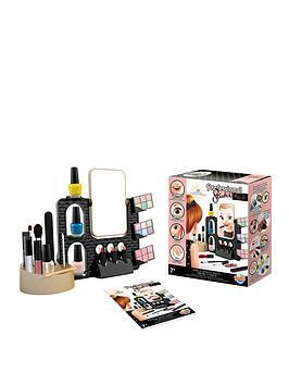 buki-professional-studio-make-up-parlour