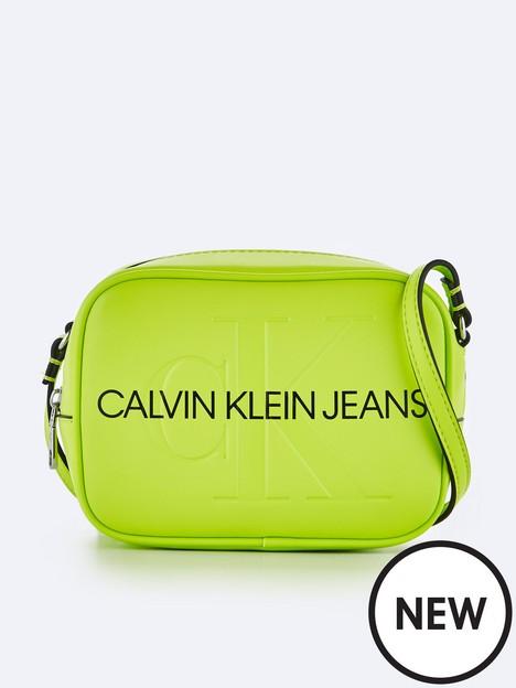 calvin-klein-jeans-sculpted-camera-bag-lime