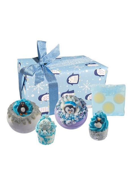 bomb-cosmetics-a-penguin-christmas-bath-bomb-gift-set