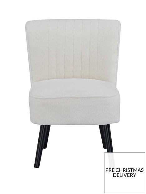 poppy-boucle-chair