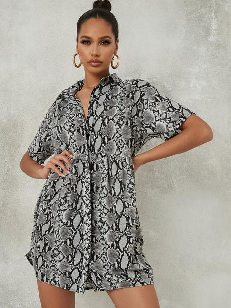 missguided-missguided-riot-single-busted-knee-mom-jean