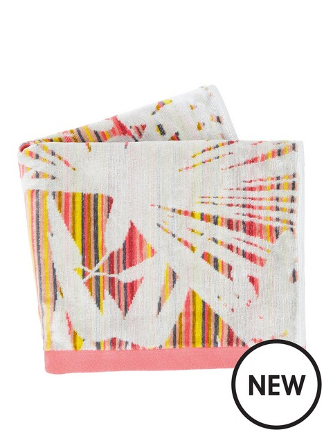 clarissa-hulse-rainforest-towels-hand-soft-pink